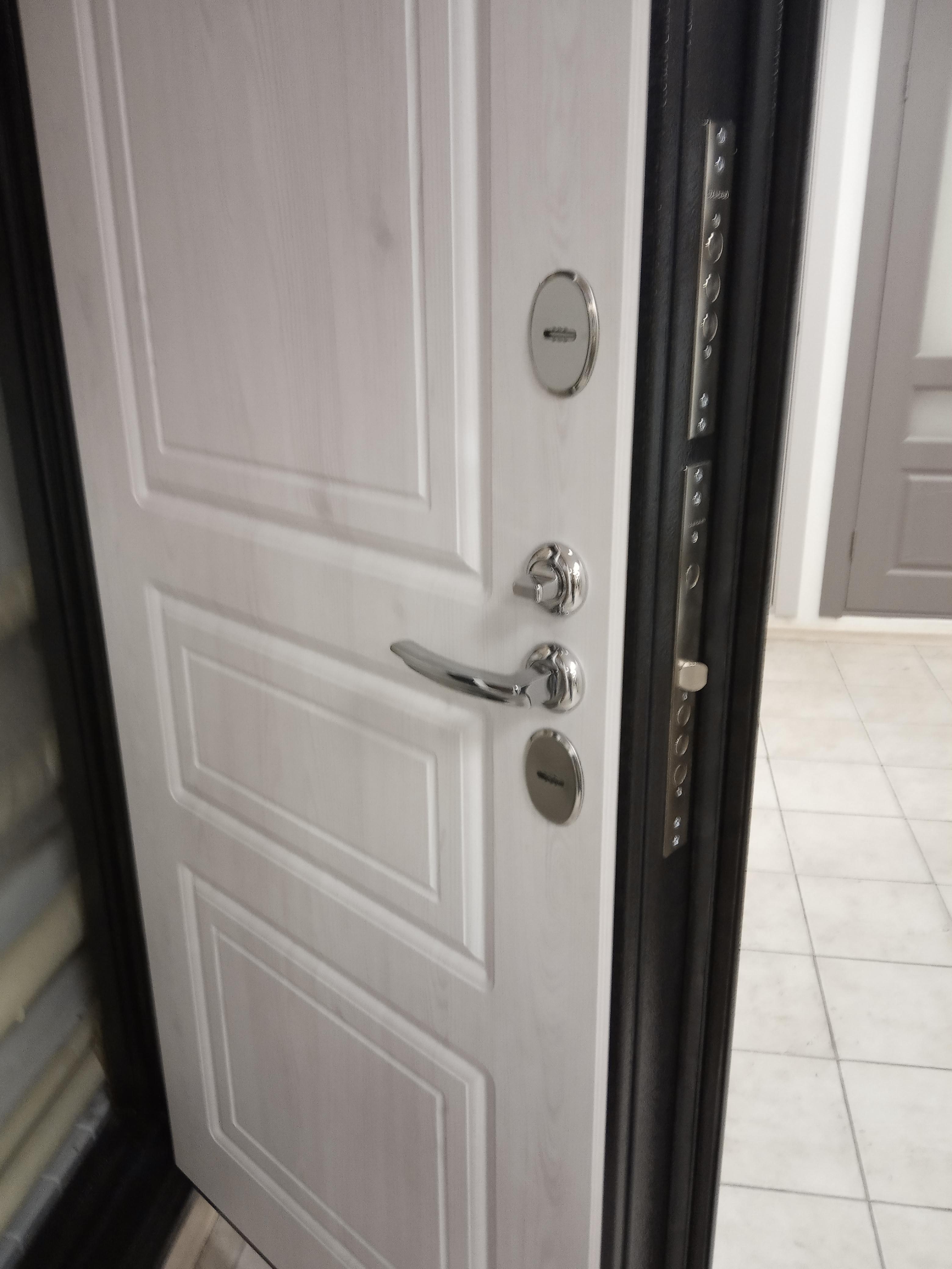 Заказать двери с терморазрывом в Казани