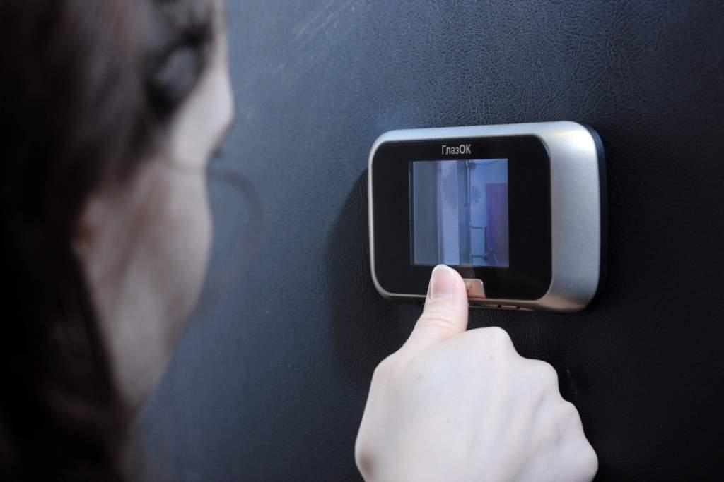 Купить видеоглазок для металлической двери в Казани