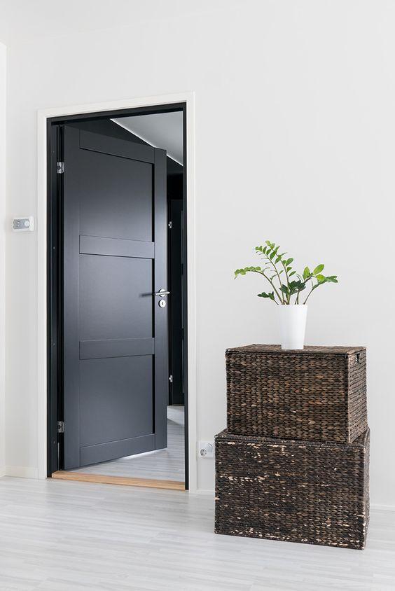 Белые двери купить в Казани в Центр Дверей